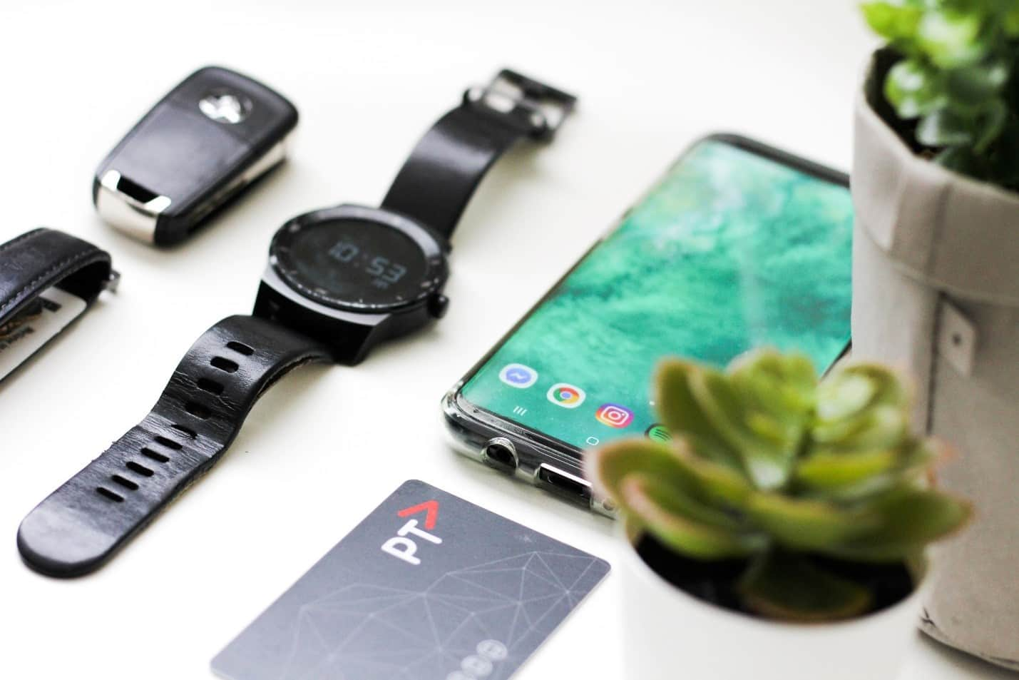 content/nl-nl/images/repository/isc/2020/9910/should-you-worry-about-smartwatch-security-1.jpg