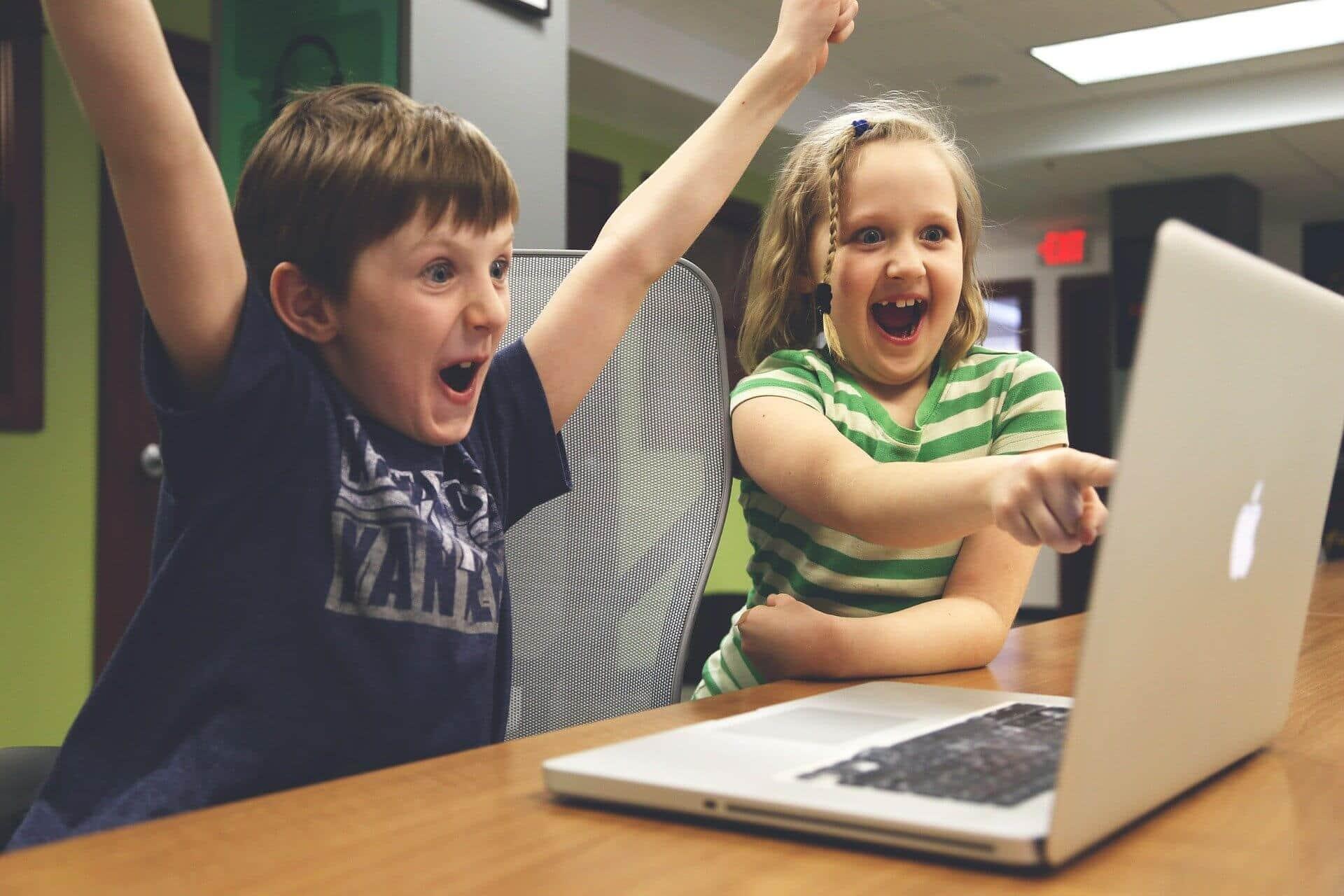 de gevaren van foto's van je kinderen op social media plaatsen